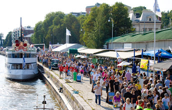 Photo: Lots of people were enjoying the beautiful weather and ships in this Turku European Capital of Culture event