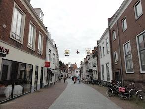Photo: Een winkelstraat door