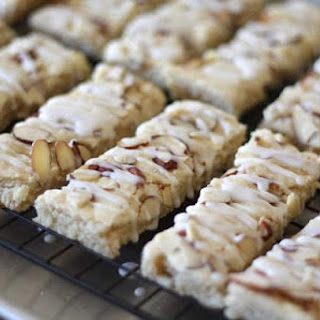 Scandinavian Almond Bars {traditional and gluten free recipes}.
