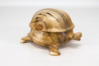 "Photo: Steve Haddix 6"" x 4"" Beads of Courage tortoise box ""Mosley"" [maple]"