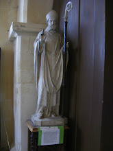 Photo: Here is a statue of the church's namesake (also known as Malo or Mac'h Low), the mid-6th century founder of Saint-Malo, and one of the seven founder saints of Brittany.