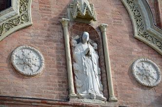 Photo: Statua di Maria Vergine Assunta tra le testine di sette angeli
