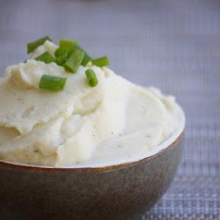 Cauliflower Mashed Fauxtatoes {GAPS, Paleo & Primal}.