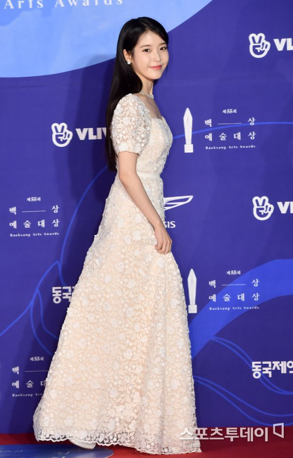 iuwhitegowns_2019 baeksang awards 2