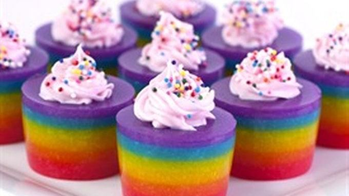 Double Rainbow Cake Jelly Shot Recept | Yummly