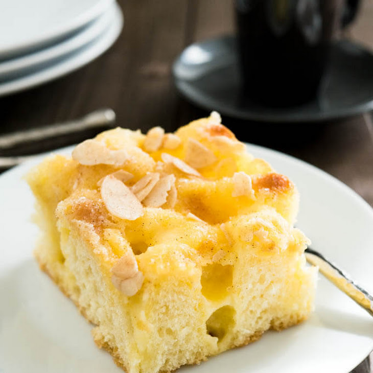 Vanilla Pastry Cream Almond Cake Recipe