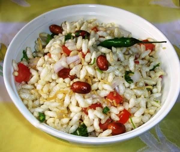 Jhaal Moorhi / Bhel Poori (spicy Puffed Rice) Recipe