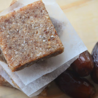 Home-made Almond & Dates Snack Sqaures