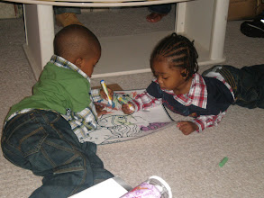 Photo: Alijzah & Keon coloring