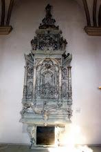 Photo: Grabmal des Bamberger Fürstbischofs Ernst v. Mengersdorf  in der St.-Michaels-Kirche zu Bamberg. Geschaffen um 1591 vom Bildhauer Hans Werner.