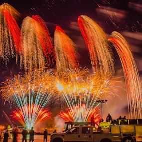 Ohio River Sternwheel Festival Fireworks by Domingo Washington - Public Holidays July 4th ( fireworks,  )