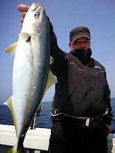 Photo: ヤズ2本目キャッチ! ・・・その後バラした魚はイタかったですね。