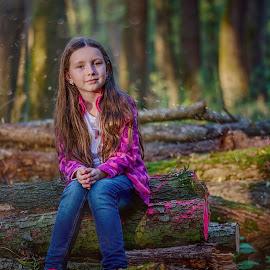 Woody pink by Jiri Cetkovsky - Babies & Children Child Portraits ( girl, wood, autumn, pink, portrait )