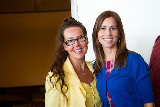 Photo: Katariina ja Anniina Pylsy auttoivat pääjuhlan järjestelyissä.
