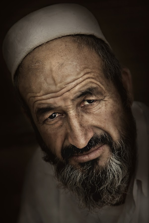 Cha cha Ibrahim The Carpenter by Leyon Albeza - People Portraits of Men