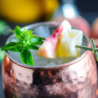 Peach and Basil Moscow Mule – A Vodka Cocktail