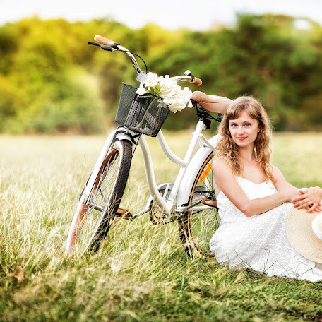 Wedding photographer Olga Biriukova (OlgaBiriukova). Photo of 11.04.2016