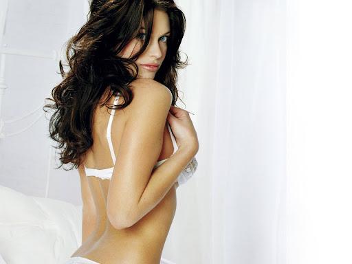 Kim Smith sexy celebrity