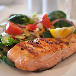 Grilled Salmon with Veggies Salad