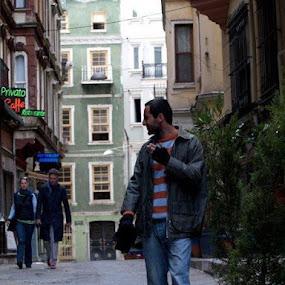 by Louis Muñoz-Osses - City,  Street & Park  Street Scenes