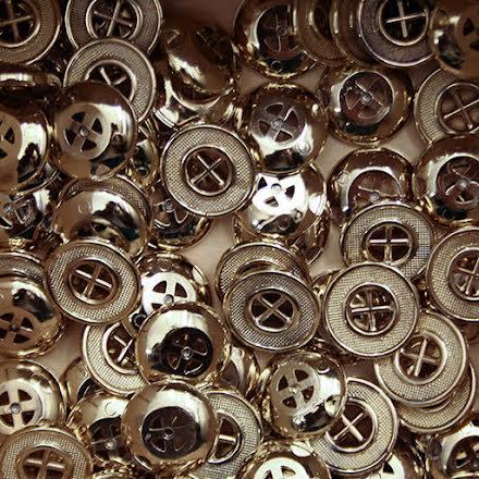 Guldknapp 18mm