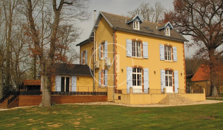 Maison Lembeye