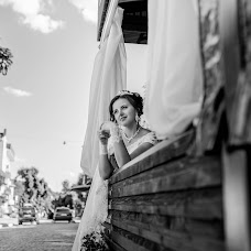 Wedding photographer Tanya Gulka (gylkatania). Photo of 09.06.2017