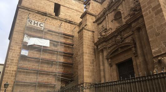 Llegan los andamios al campanario de la Catedral