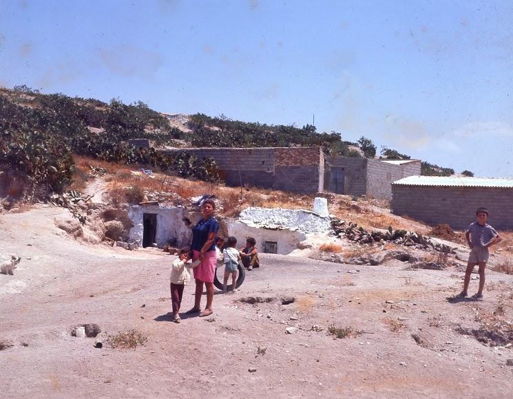 Barrio de las Tejeras en la década de los 70. Fuente: Archivo Miguel Romero, Somos Albojenses.