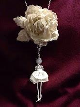 Photo: Золотая роза из итальянского шелка с золотой нитью...если ищите неординарный подарок -вот он....зима 2014.