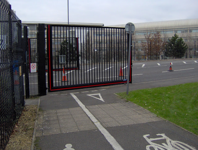 MOD suicide gate cycle path