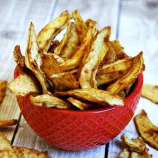 Raw Vegan Cinnamon Sugar Pear Chips (Raw, Vegan, Gluten-Free, Dairy-Free, Nut-Free, Paleo-Friendly, No Refined Sugar).
