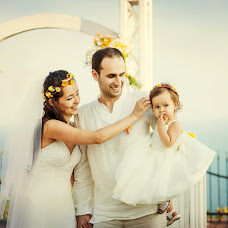 Wedding photographer Yana Peneva (peneva). Photo of 02.01.2014