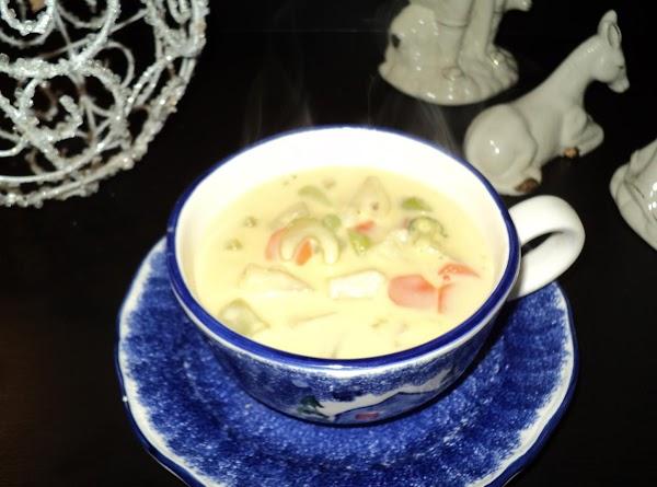 Lynn's Cheesy Vegetable Soup Recipe