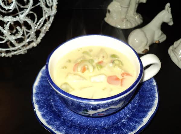 Lynn's Cheesy Vegetable Soup Recipe