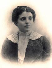 Photo: Cuando deja a sus padres para entregarse a Él: 25 de marzo de 1919