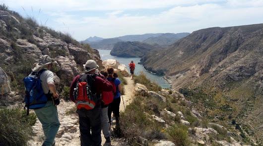 Trece kilómetros de ruta por la naturaleza
