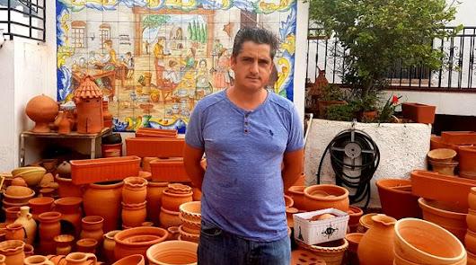 José Miguel García, la esencia de Sorbas en sus manos