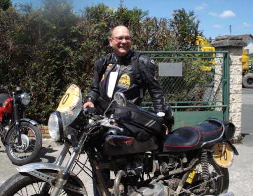 robert-et-sa-t120-bonneville-au-retour-du-tunisian-moto-tour