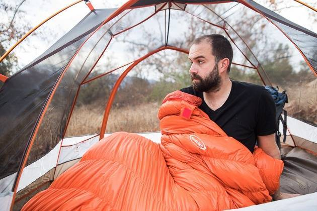 sleeping-bags-travel-essentials_image
