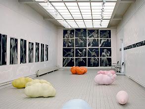 """Photo: © Olivier Perrot Série """"Limites"""" 1997 et """"Combats"""" 1996 Exposition Ego(2) 2001 Clamart"""