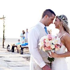 Свадебный фотограф Diana Flores (Fotografovallart). Фотография от 08.09.2018