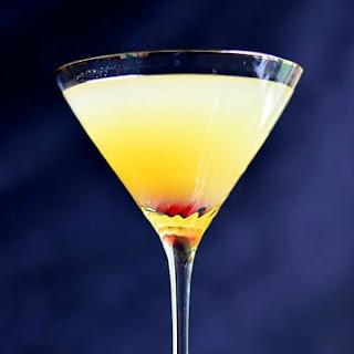 Flirtini – Pinapple Champagne Martini.
