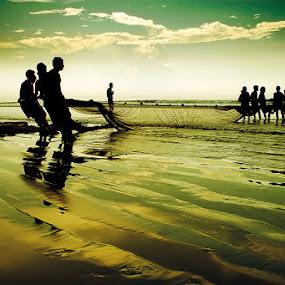 Fishing at Digha by Subrata Kar - People Street & Candids ( water, sea, beach, fishing, people, evening )