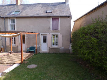 maison à Saint-Baudel (18)