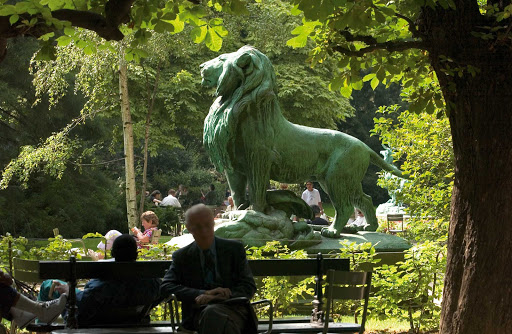 luxembourg-gardens-Paris.jpg - The Luxembourg Gardens in Paris are lovely in any season.