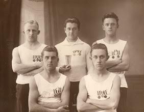Photo: 1925 Faaborg Roklubs: Axel Øxenhave, Poul NIelsen, Chr. Rasmussen, J. J. Hansen, Cox. W. Nygaard.