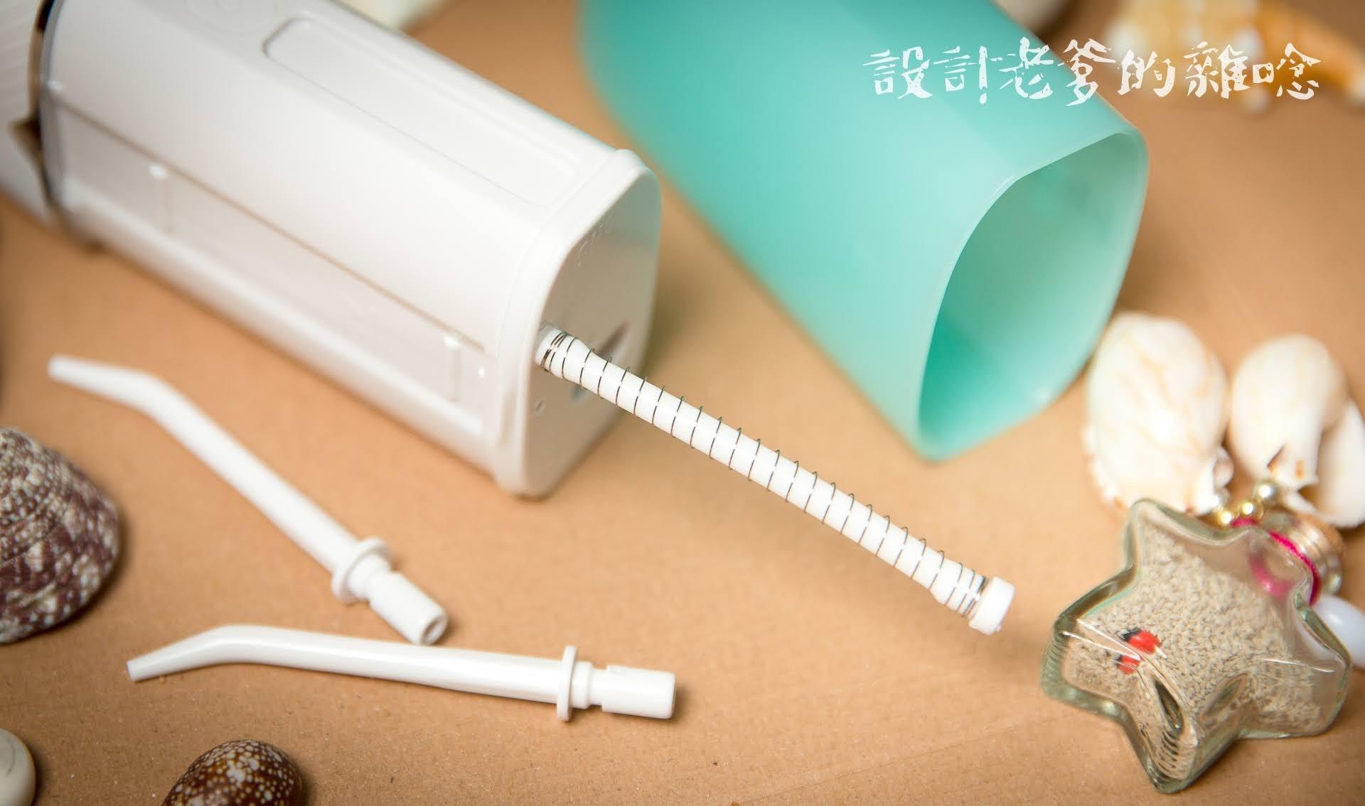 KINYO迷你口袋型健康沖牙機...可以帶著走的牙齒SPA機呦!