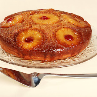 4. Skillet Pineapple Upside-Down Cake