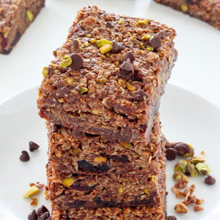 Dark Chocolate Pistachio Nutella Granola Bars